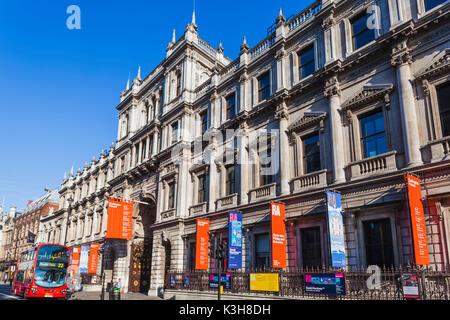 England, London, Piccadilly, Burlington House, The Royal Academy of Arts - Stock Photo