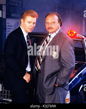 46062 9 -- NYPD BLUE -- 7/19/93 Dets. John Kelly (David Caruso, left) and Andy Sipowicz (Dennis Franz) were partners - Stock Photo