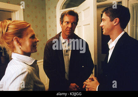 IN GOOD COMPANY MARG HELGENBERGER, DENNIS QUAID, TOPHER GRACE IN GOOD COMPANY     Date: 2004 - Stock Photo
