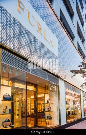 Japan, Hoshu, Tokyo, Ginza, Furla Store - Stock Photo