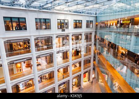 Japan, Hoshu, Tokyo, Marunouchi, Kitte Building aka JP Tower - Stock Photo