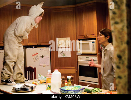 WHERE THE WILD THINGS ARE MAX RECORDS as Max, CATHERINE KEENER as Connie       Date: 2009 - Stock Photo