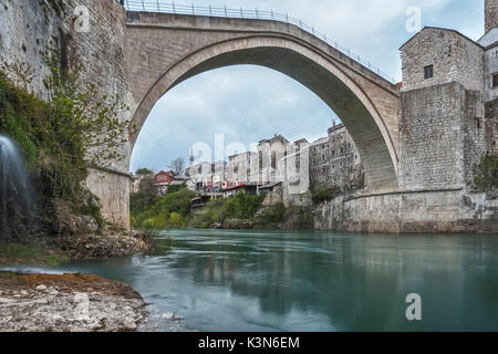Eastern Europe, Mostar, Bosnia and Herzegovina.  The Stari Most (Old Bridge), icon of the war in the Balkans - Stock Photo