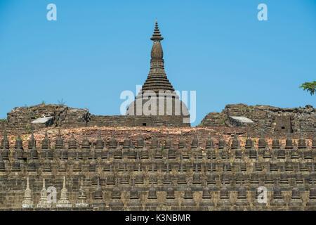 Mrauk-U, Rakhine state, Myanmar. Details of the Koe-Thaung pagoda. - Stock Photo
