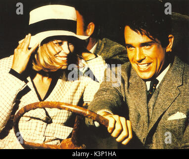 BONNIE AND CLYDE [US 1967] FAYE DUNAWAY as Bonnie Parker, WARREN BEATTY as Clyde Barrow     Date: 1967 - Stock Photo