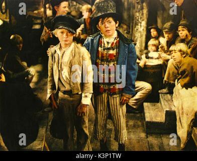OLIVER! [BR 1968] MARK LESTER as Oliver Twist, JACK WILD as the Artful Dodger     Date: 1968 - Stock Photo