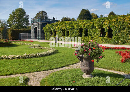 Vienna, Austria - September 24, 2014: Garden house near Schonbrunn palace in Vienna - Stock Photo
