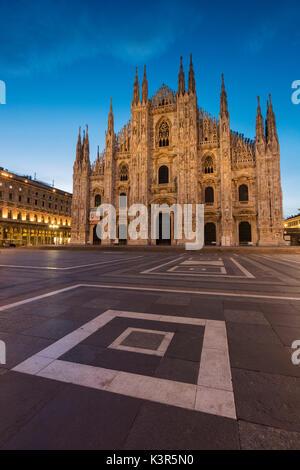 Europe, Italy, Piazza Duomo, Milan. - Stock Photo