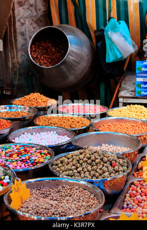 Spices for sale in the downtown market of Amman in Jordan - Stock Photo