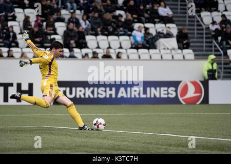 Torshavn, Faroe Islands. 03rd Sep, 2017. Faroe Islands, Torshavn – September 3, 2017. Goalkeeper Josep Gomes of - Stock Photo