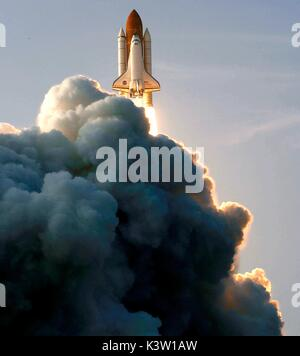 The NASA Space Shuttle Endeavour launches from the Kennedy Space Center for the STS-118 mission to the International - Stock Photo
