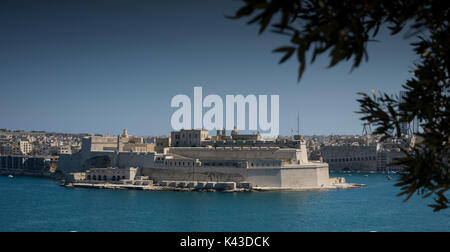 View of Fort St Angelo, Birgu, Malta from the Upper Barrakka Gardens in Valletta, Malta - over looking the Grand - Stock Photo