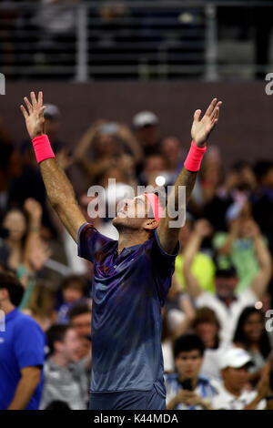 Flushing Meadow, New York, USA. 4th Sep, 2017. US Open Tennis: Juan Martin del Potro of Argentina exults after defeating - Stock Photo