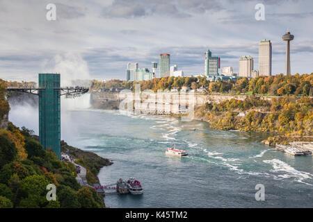 USA, New York, Niagara Falls, view from American Falls to Niagara Falls, Ontario, Canada - Stock Photo