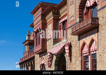 persian style house hudson river views stock photo 13607280 alamy. Black Bedroom Furniture Sets. Home Design Ideas