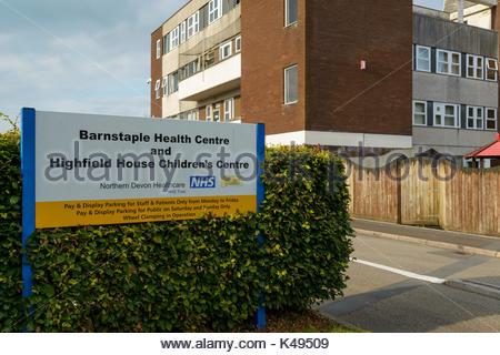 Barnstaple Health Centre sign, Vicarage Street, Barnstaple, Devon, England, UK - Stock Photo