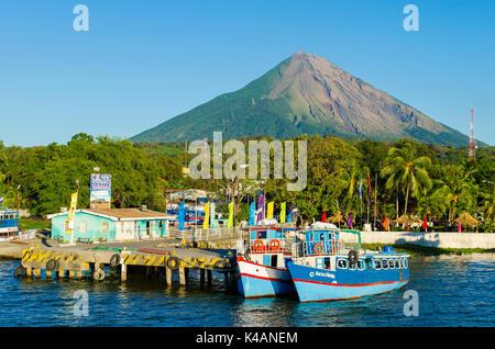 Ferry port Moyogalpa on the island of Ometepe with the volcano Concepcion, Nicaragua Lake (Lago Cocibolca), Nicaragua - Stock Photo