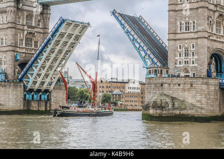 London, UK. 5th Sep, 2017. The iconic London Tower Bridge lifts to allow a small ship to pass through Credit: amer - Stock Photo