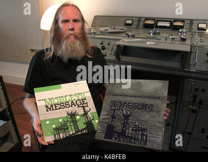 London, UK. 29th Mar, 2017. Entrepreneur Pete Hutchison presents the LP 'Mobley's Message' in the studio of his - Stock Photo