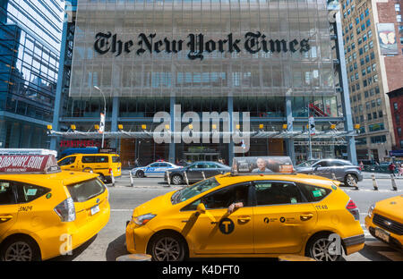 The offices of the the New York Times media empire in Midtown in New York on Sunday, August 27, 2017. (© Richard - Stock Photo