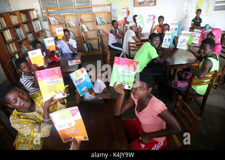 Library in an African school where children are sponsored by French NGO, La Chaine de l'Espoir, Lome, Togo, West Africa, Africa