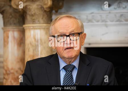 Dublin, Ireland. 6th Sep, 2017. Former President of Finland and Nobel Laureate, Mr. Martti Ahtisaari was in Ireland - Stock Photo