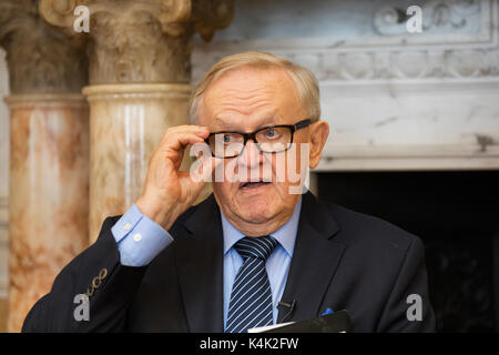 Dublin, Ireland. 6th Sep, 2017. Former President of Finland and Nobel Laureate, Mr. Martti Ahtisaari was in Ireland - Stock Photo