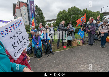 September 5, 2017 - London, UK - London, UK. 5th September 2017.  A Quaker meeting at the side of the road on the - Stock Photo
