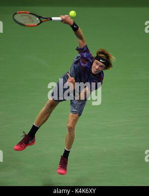 FLUSHING NY- SEPTEMBER 06: ***NO NY DAILIES*** Rafael Nadal Vs Andrey Rublev on Arthur Ashe Stadium during the US - Stock Photo