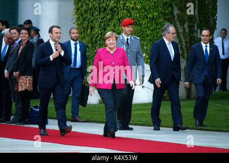 Emmanuel Macron, BKin Angela Merkel - Treffen der dt. Bundeskanzlerin mit den neuen franzoesischen Staatspraesidenten, - Stock Photo