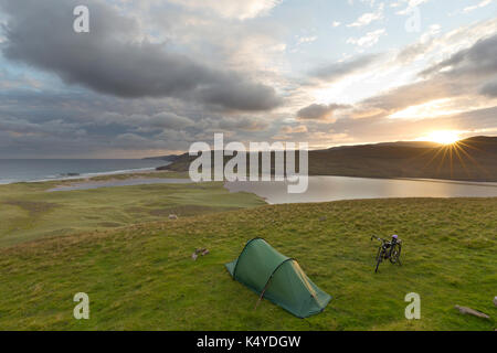 Camping at Sandwood Bay, Sutherland - Stock Photo