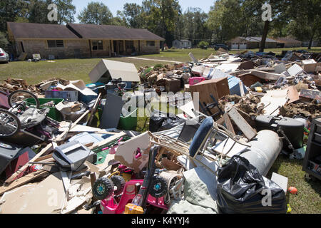 Lumberton, USA. 07th Sep, 2017. Lumberton, Texas USA Sept. 7, 2017: A home in the Rolling Hills subdivision off - Stock Photo