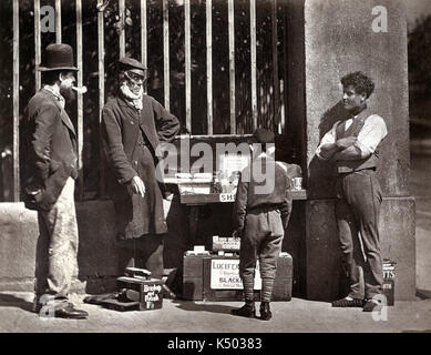 The Dramatic Shoe-Black - Street Life in London, published in 1876-7  Adolphe Smith and John Thomson - Stock Photo