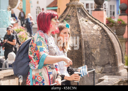 Portmeirion, Wales, UK. 8th September, 2017. Festival Fun at Festival No.6, Portmeirion, Wales, UK. 8th Sep, 2017. - Stock Photo