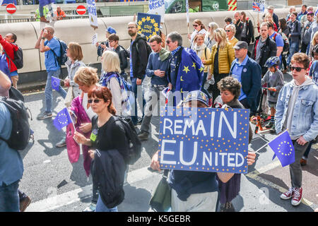 London, UK. 9th Sep, 2017. Thousands of anti-Brexit activists marched with Eurrpean flags and banners to Parliament - Stock Photo
