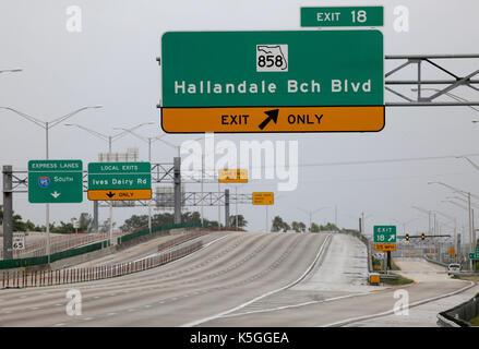Hallandale, FL, USA. 9th Sep, 2017. I-95 was nearly traffic free near Hallandale Beach Blvd. as South Floridians - Stock Photo