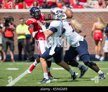 Oxford, USA.  9th Sept 2017. University of Mississippi Defensive End Marquis Haynes (38) tries to reach University - Stock Photo
