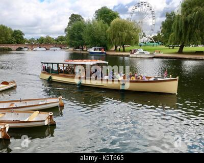 Visitors on a pleasure boat cruise on the River Avon, Stratford Upon Avon, Warks. UK. - Stock Photo