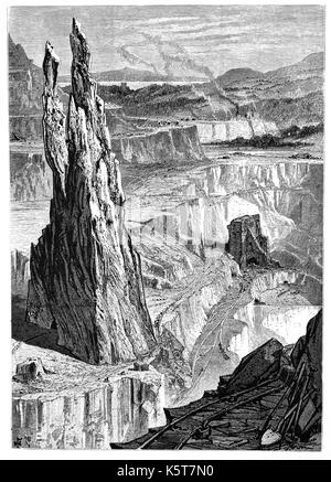 1870: The Penrhyn Slate Quarry, near Bethesda in Snowdonia,  Gwynedd, North Wales. At the end of the nineteenth - Stock Photo