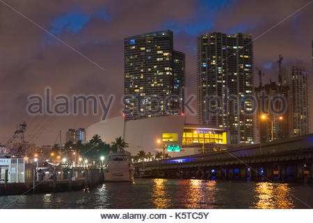 Adrienne Arsht Center for the Performing Arts and the Miami urban skyline at night. Point of view from the Biscayne - Stock Photo