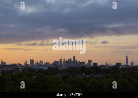 London, UK. 11th Sep, 2017. London, September 11 2017. Soft light illuminates the London skyline as a new day breaks - Stock Photo
