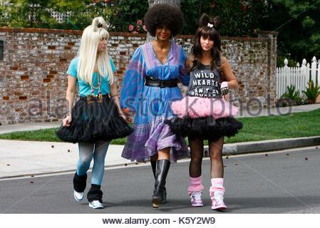 jennifer love outfits