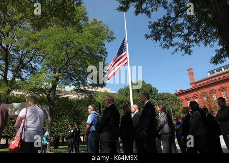 Washington, DC, USA. 11th Sep, 2017. Civilians and law enforcement officers gather at the National Law Enforcement - Stock Photo