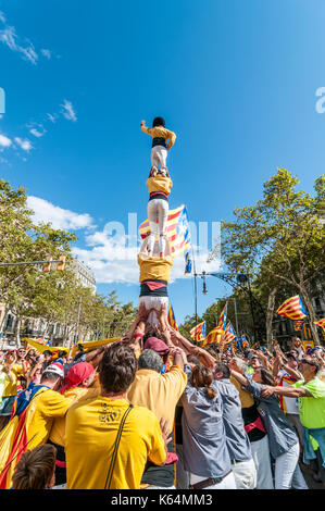 Barcelona, Spain. 11th Sep, 2017. Thousands of pro-independence flags (estelades) fill Barcelona streets. People - Stock Photo
