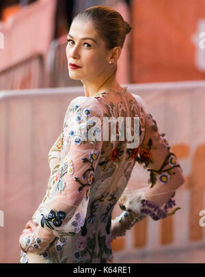 Toronto, Canada. 11th Sep, 2017. Actress Rosamund Pike attends the premiere of film 'Hostiles' at Princess of Wales - Stock Photo