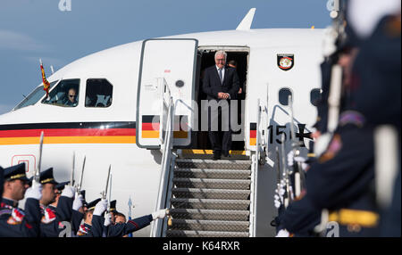 Prague, Czech Republic. 12th Sep, 2017. German president Frank-Walter Steinmeier arrives at the airport in Prague, - Stock Photo