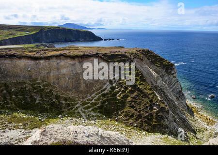 Rugged coastline along Ashleam Bay on Achill Island, County Mayo, Republic of Ireland - Stock Photo