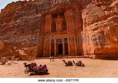 Al Khazneh - the treasury, ancient city of Petra, Jordan. - Stock Photo