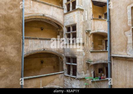 Traboule Les deux Cours, Saint Jean District, Unesco World Heritage Site, Old Lyon, Rhône Alpes, France - Stock Photo