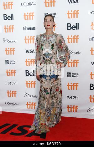 Toronto, ON. 11th Sep, 2017. Rosamund Pike at arrivals for HOSTILES Premiere at Toronto International Film Festival - Stock Photo